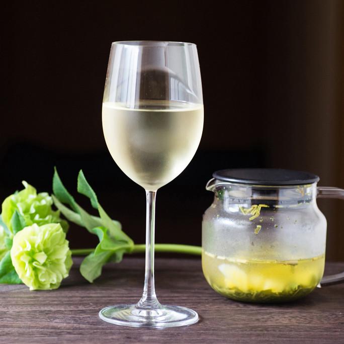 ワイングラスで楽しむ冷茶!hinomeとマンゴーで作るフレーバー冷茶