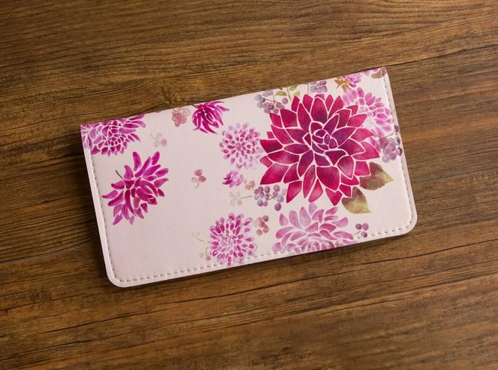 ぱっと目を魅く大輪のダリア。  手描きの風合いを残した暖かみのある花柄のお財布♪