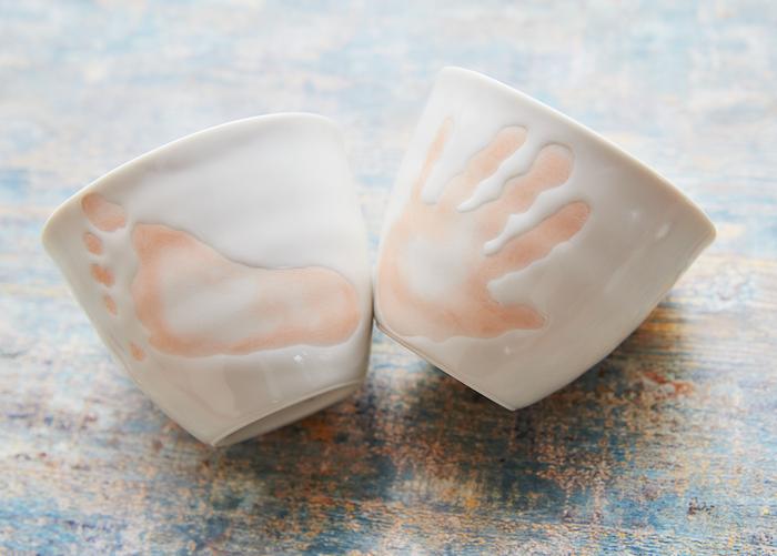 お酒好きのパパに贈ろう! 子どもの手形でつくる世界に1つの波佐見焼きカップ