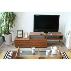 お部屋のスペースに合わせて組みかえできる、コンパクトTVボード