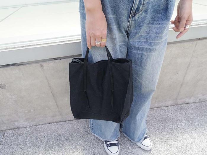 どんなコーディネートにも合うシンプルが魅力!uifui.のキャンバス無地トートバッグ