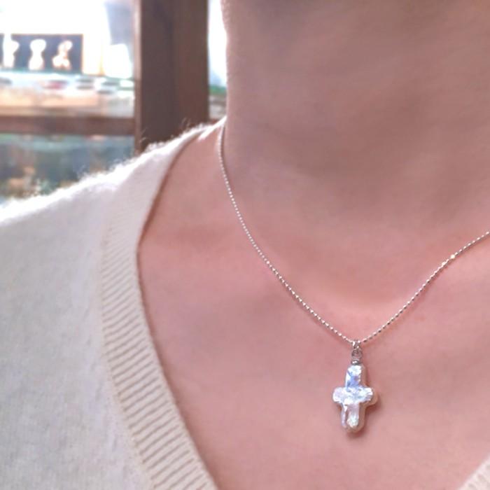 見事な天然の照り、本真珠クロスのネックレス