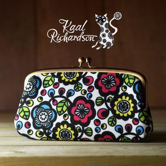 花柄ファブリックが可愛い!使い勝手バツグンの大きめがま口財布