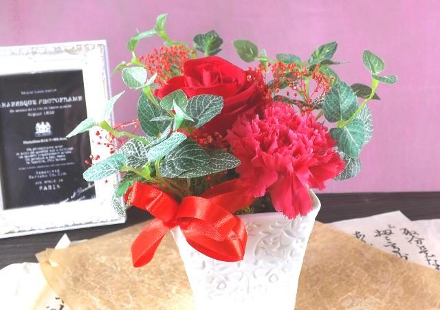 まだ間に合います。お母さんに花を贈ろう。
