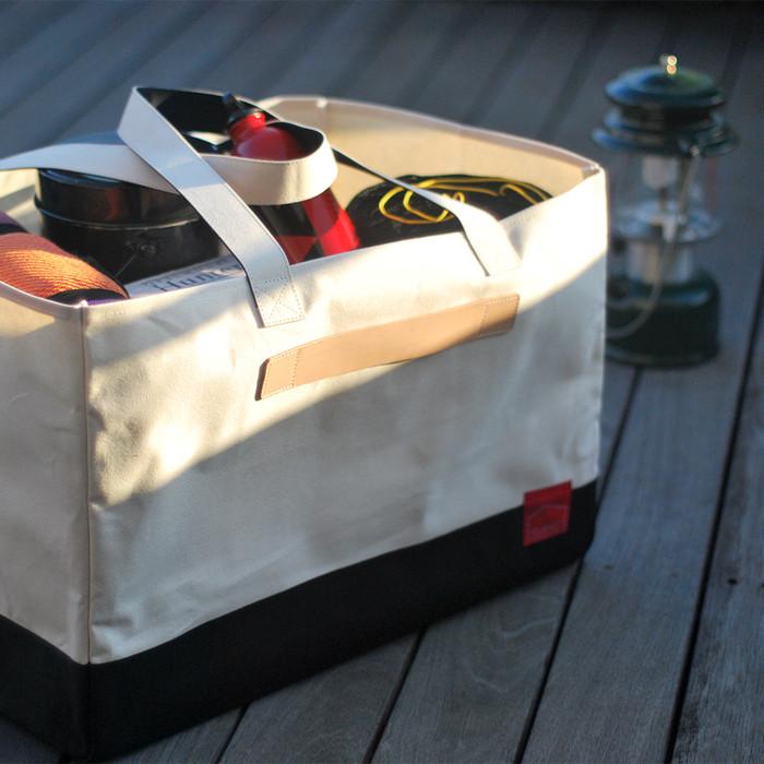 持つのはお父さん!?家からクルマ、フィールドへと道具を一気に運べるビッグトート「CAMP BAG」
