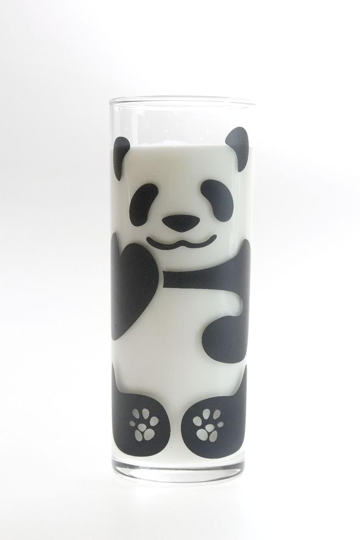 牛乳を入れてパンダを色付けしよう!!