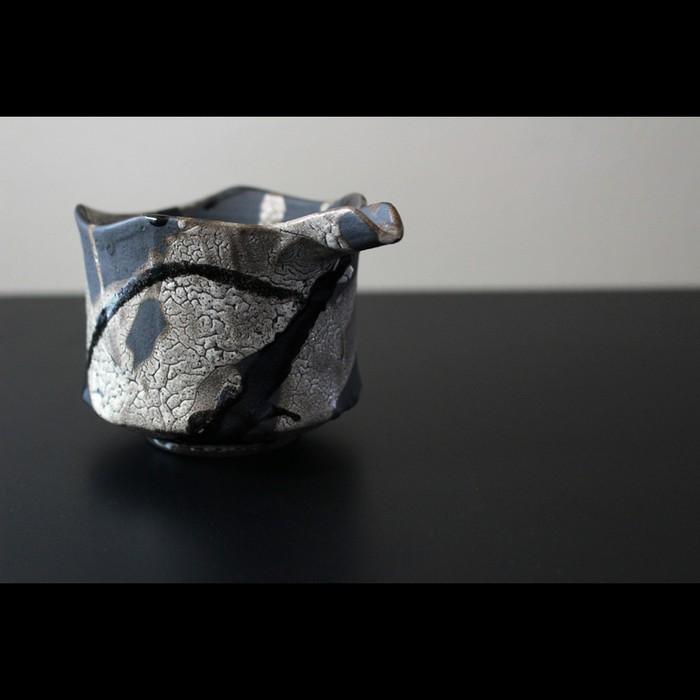 革新的で唯一無二を追求する 陶芸作家【高橋 泰明 TACERA】梅華皮流彩 酒器 片口が入荷です!