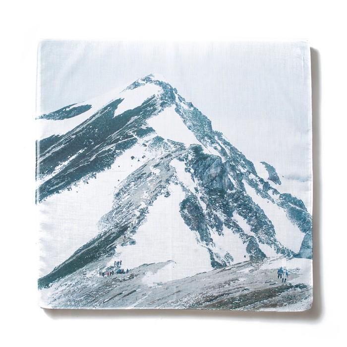 山で見た景色をハンカチに仕立ててゆくプロジェクト「 MOUNTAIN COLLECTOR 」