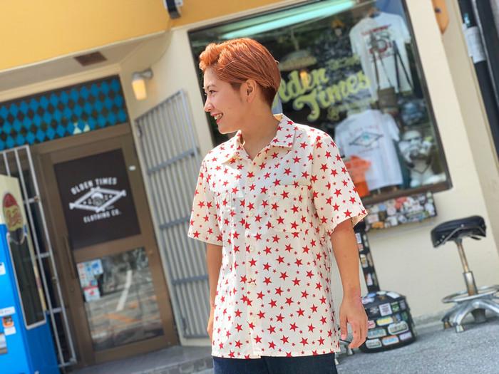 【スター柄が魅力的なオリジナルシャツ】
