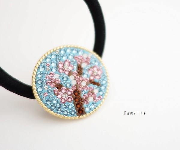 キラキラが可愛い♡桜デザインのヘアゴム