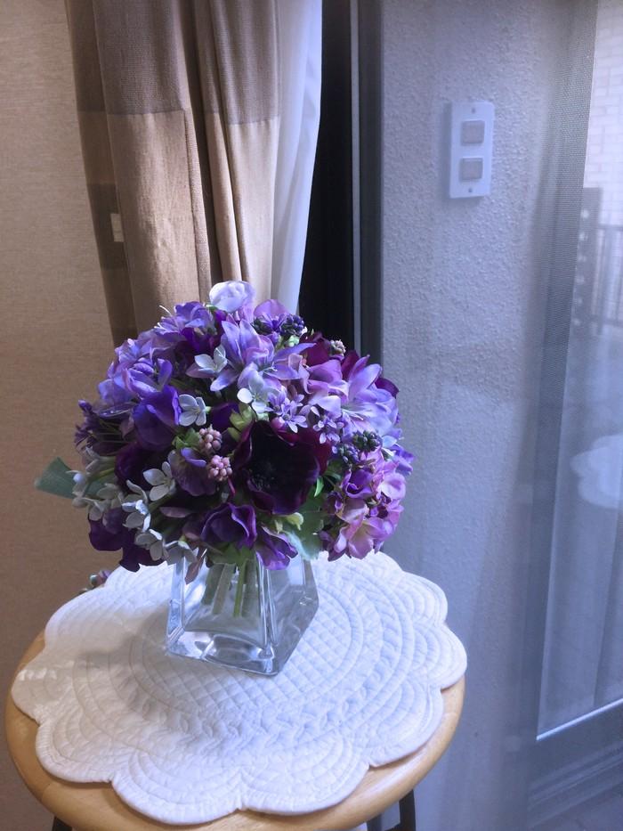 春のお花を集めました。パープルが可憐なすみれ色の花束