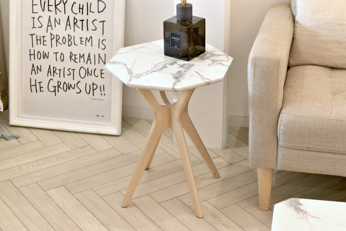 【艶やかなサイドテーブル】でエレガントな空間を演出♩