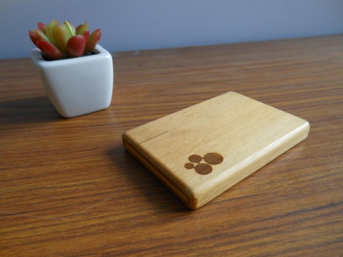 新生活のパートナーに!一枚の板から作る木製名刺入れ