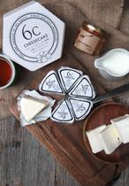 十勝産のクリームチーズ使用。クリーミーでしっとり。2層の食感が楽しい6Cチーズケーキ