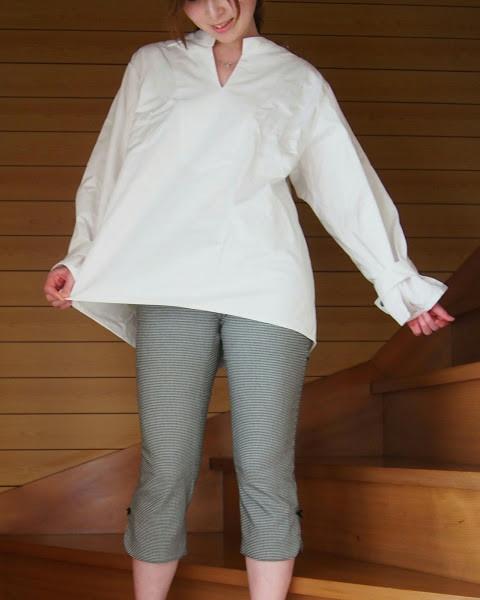 愛され女子♡ふんわりしたシルエットのボリューム袖トップス