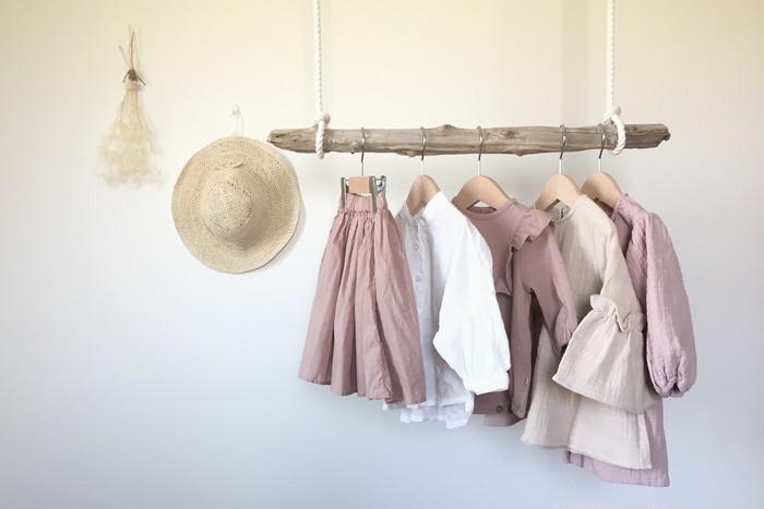 春の装い♡くすみカラーが愛らしい、ママとおそろいトップス&スカート