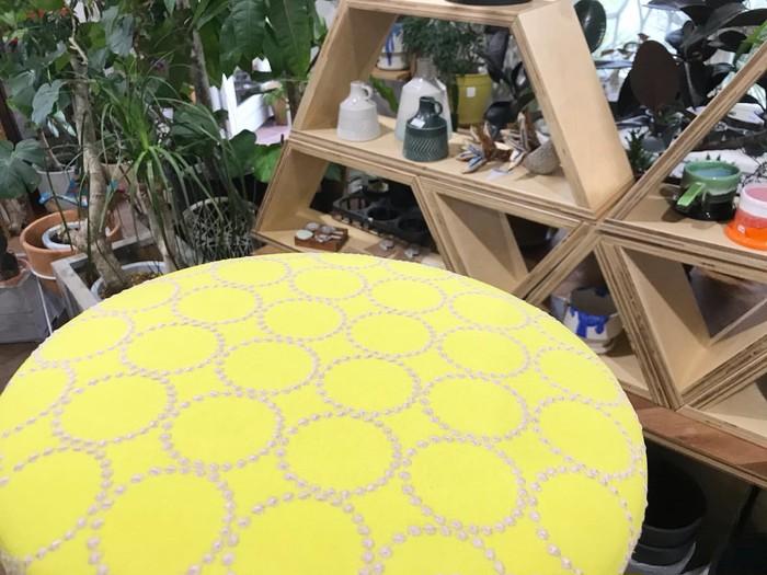 後世に引き継ぎたい特別な椅子♪ 経年変化を楽しみに、ミナペルホネンのスツール