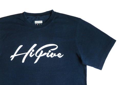 一緒に時を過ごす感覚を味わう、インディゴ染めのTシャツ