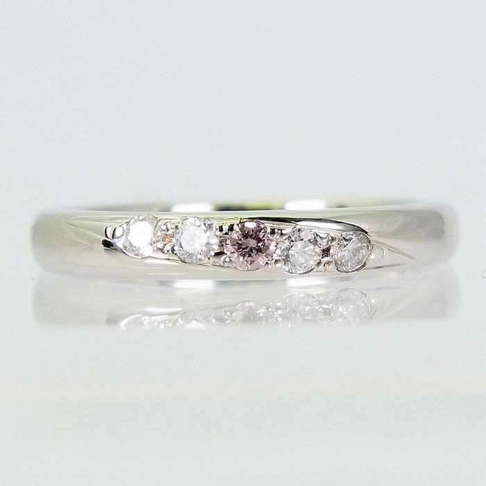 ほんのりピンクに色づく清楚差が魅力な天然ピンクダイヤモンドリングをご紹介♪