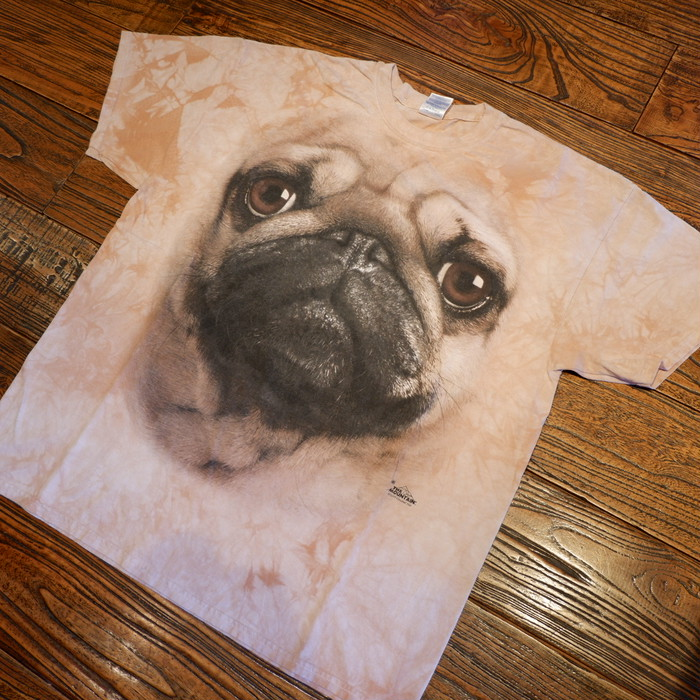 "the mountain ""Pug"" t-shirts"