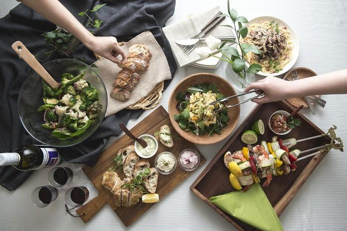 ハーブ×出汁のハイブリッド調味料!『かけるハーブ』で食卓をもっと美味しく華やかに!