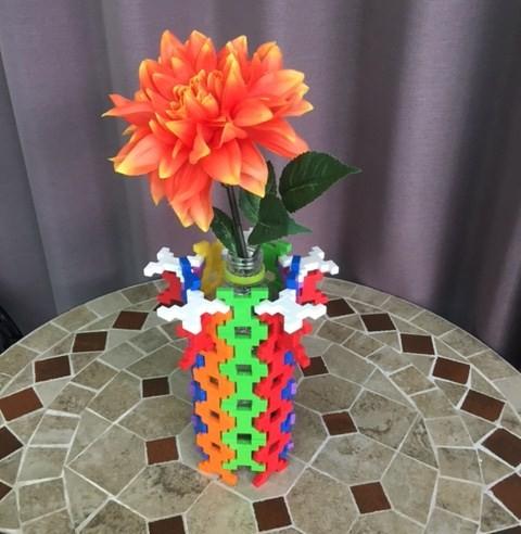 知育ブロックを使って楽しく大人の脳トレ!フラワーアレンジメントにチャレンジ