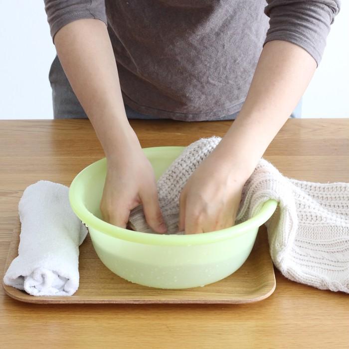 プロが教える!おうちでできる、ニットの簡単な洗い方~押し洗い編~