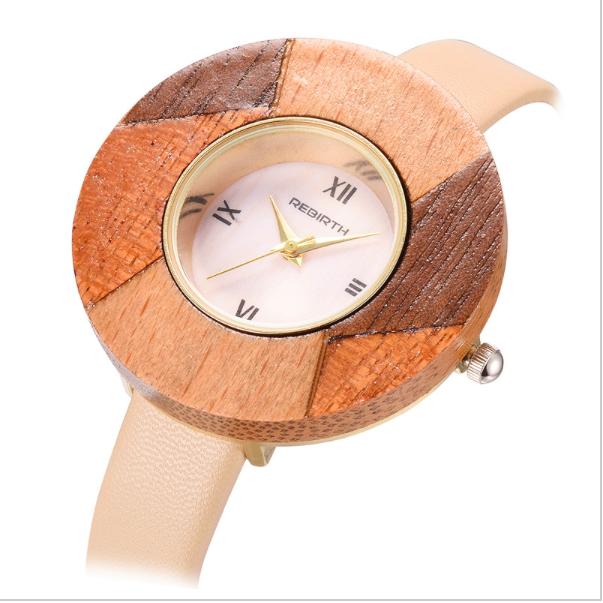 春の時計はこれで決まり!木目がかわいいスモール腕時計