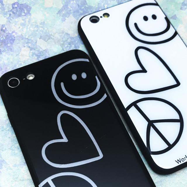 お揃いで持ちたい♡ラブ&ピースなスマイルマークの落書きみたいなモノクロiPhoneケース!
