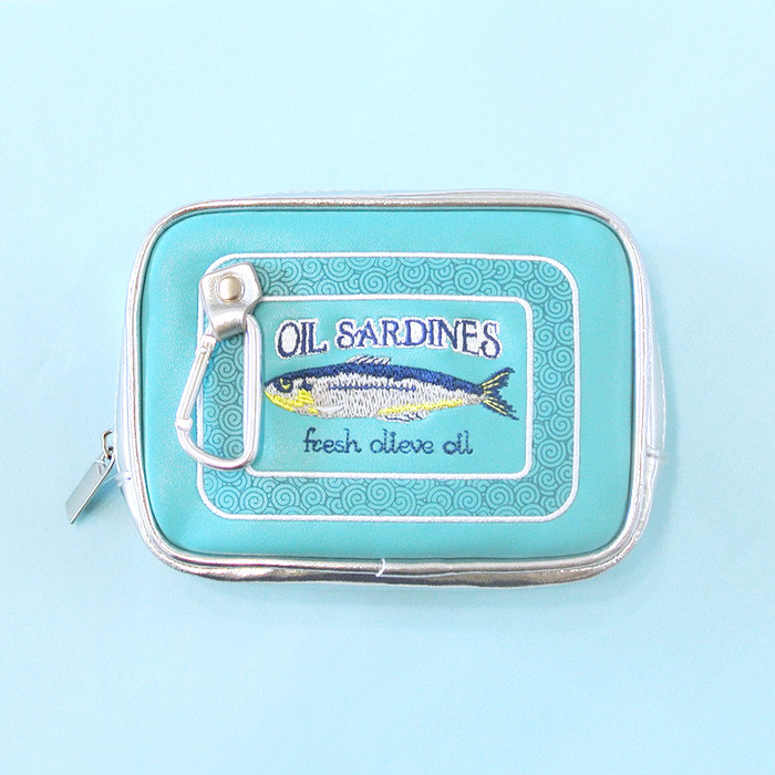 お魚の缶詰…にそっくりなポーチ!エコバッグ付いた便利で可愛いセットです