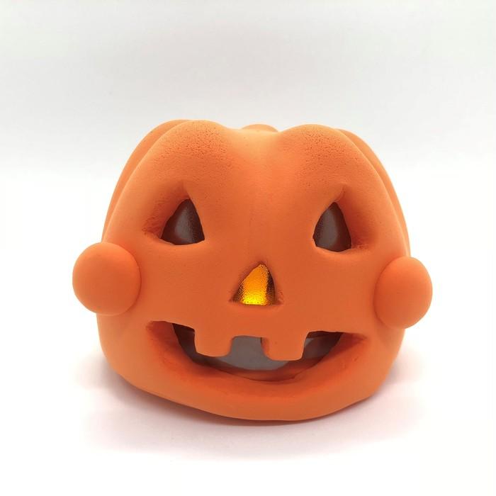 ハロウィンに光るジャックオーランタンを作ろう!お子さまでも型を使えば簡単に作れます。