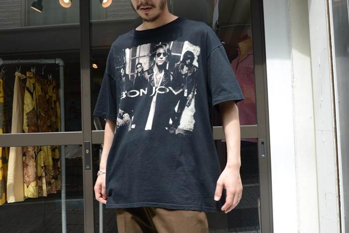 """冷めやらぬ90's熱!当時人気を博した""""BON JOVI""""オリジナルTシャツのご紹介。"""