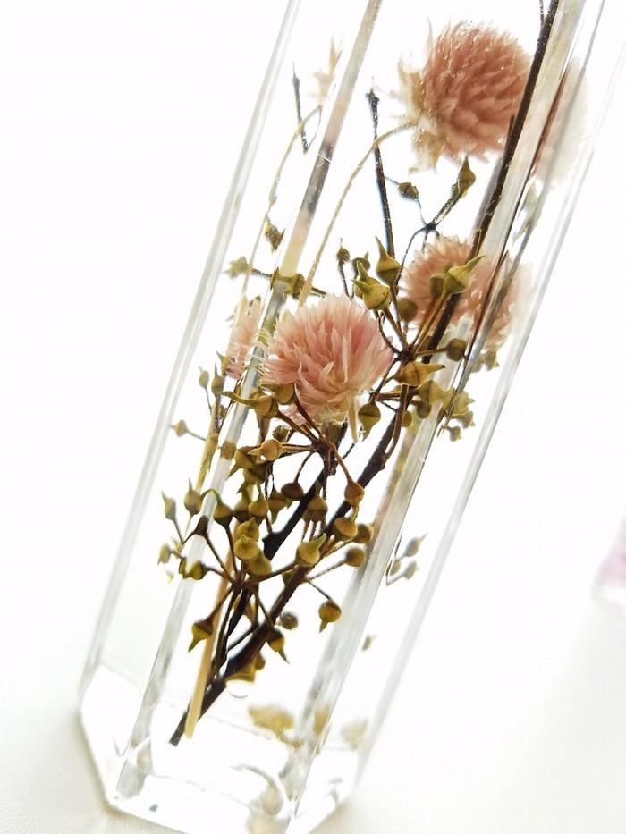 お家の中でお花見しましょ。ボトルの中に浮かぶ桜のハーバリウム