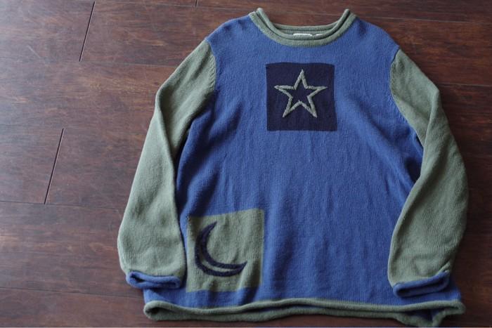 星、月、太陽と刺繍が可愛いセーター☆