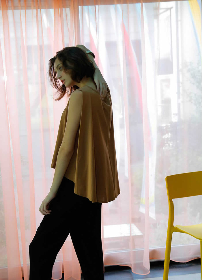 【WHYTO.】BACK FLARE TOPS