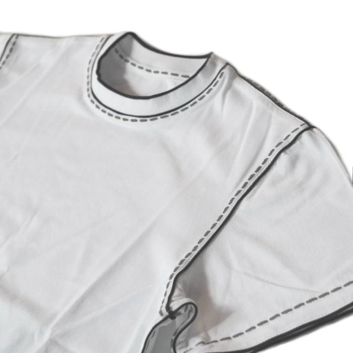 縫い目のプリントがユニーク!その名も『ファットステッチTシャツ』です。