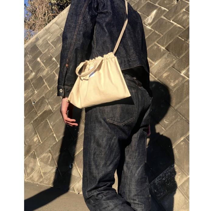 【天然染料】人工的には出せない自然な深みが特徴のバッグ