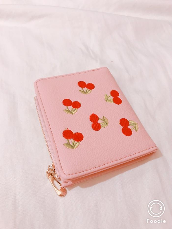 やっぱりピンクが好き♡乙女心をくすぐるチェリー柄のコンパクト財布