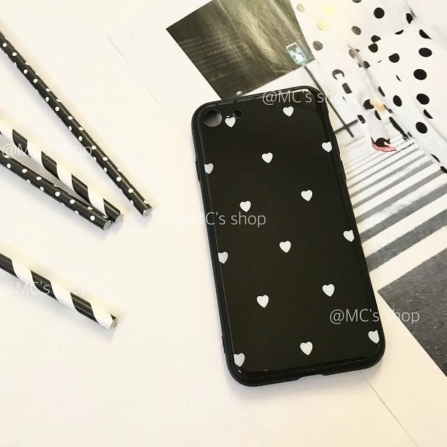 小さなハートがたくさん♡モノトーンでお洒落なiPhoneケースです