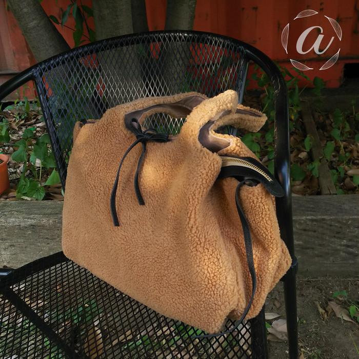 秋冬バッグにボア素材♡触り心地◎バッグでコーデをキメよう