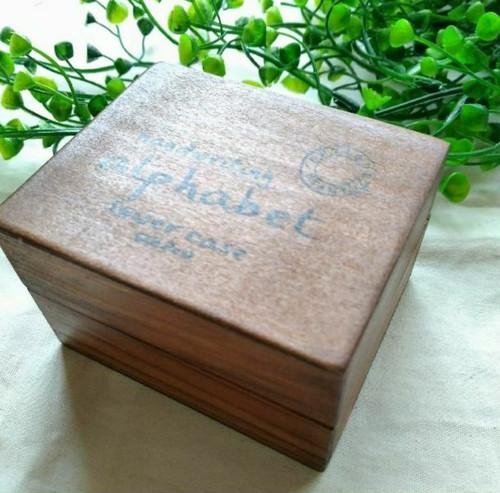 ちっちゃくて可愛らしいサイズ! レトロな木製アルファベットスタンプ!