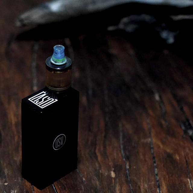 電子タバコをカスタマイズ。気分に合わせてカラフルなドリップチップを