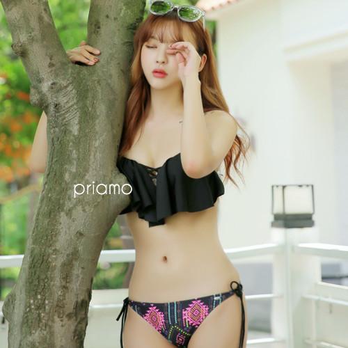 夏の思い出作りに♡ナイトプールで着たい、ちょっぴりネオンでフォトジェニックな水着!