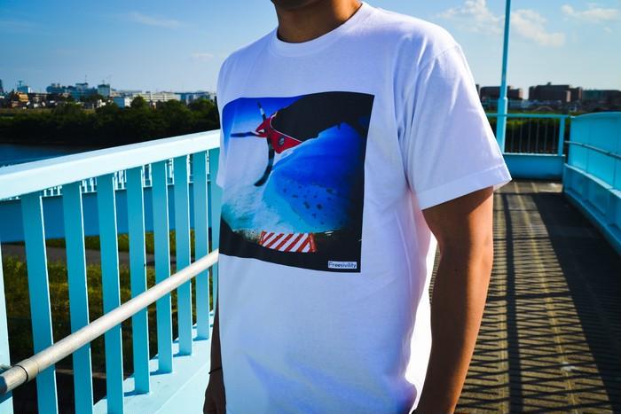 太陽の日差しに負けないビビットなフォトTシャツを手に入れよう!