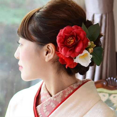 成人式や前撮りにおすすめ♡椿の髪飾り