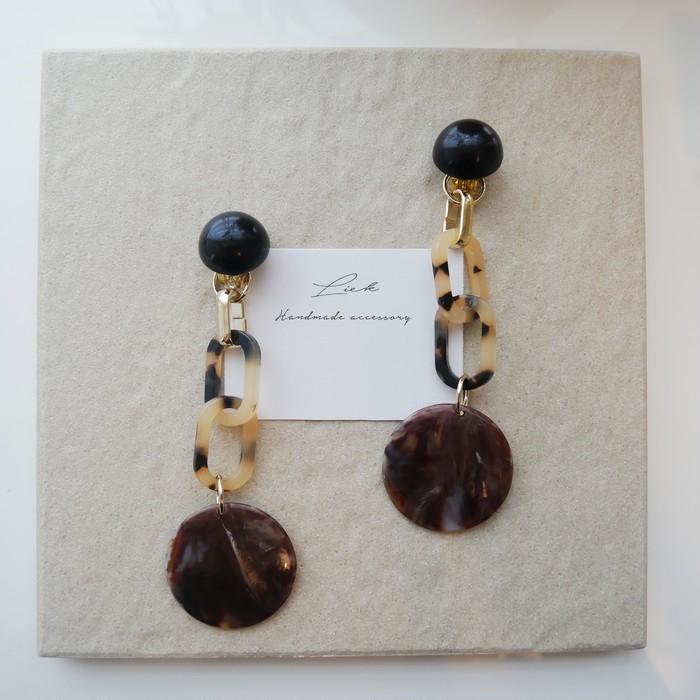 Big earrings for Autumn ◎ 秋らしいピアスをつけて素敵な一日を