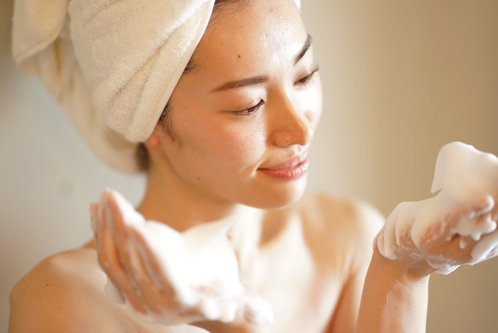 日中の乾燥から肌を守り紫外線をカット