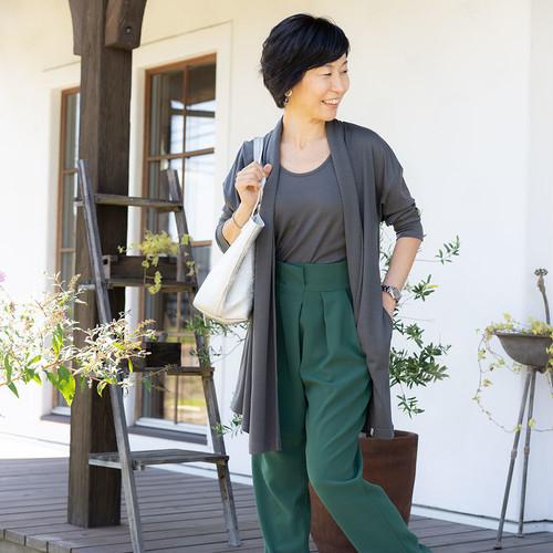 \\ 着る人をそっと包み込み、頑張る女性にエールを送る // サラッと心地いいお洋服 Ayawear