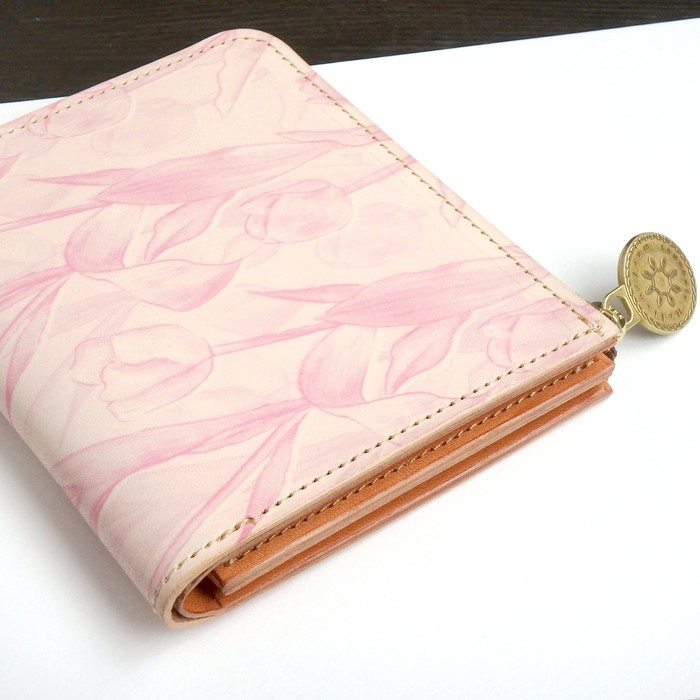 3e3a88d23391 母の日に贈るチューリップデザインの革財布♪ | BASE Mag.