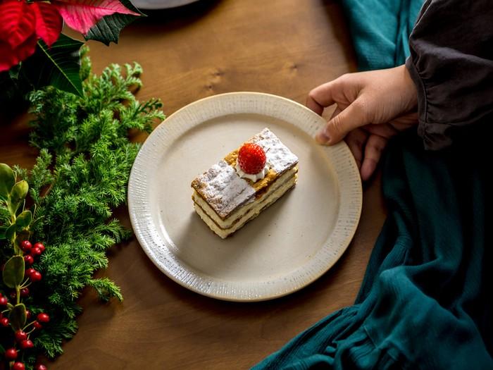 デザート皿やホームパーティーの取り皿におすすめ!シックでオシャレな19cmリムプレート。